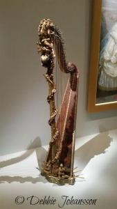marie-antoinette-harp